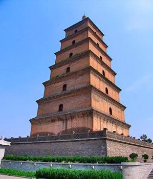 >> 文章内容 >> 西安风景的导游词  西安有哪些美景答:钟楼:钟楼位于